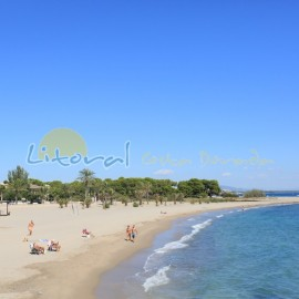 Playa de la punta del Riu en el centro de L'Hospitalet de l'Infant