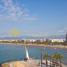 Vista panorámica en la playa de Levante
