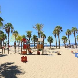 Parque infantil de la playa de Poniente de Salou