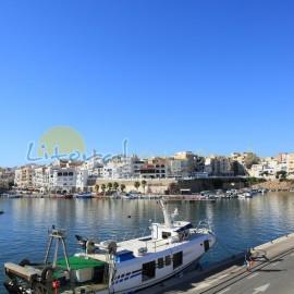 Bonita vista panoramica del puerto de l'Ametlla de Mar